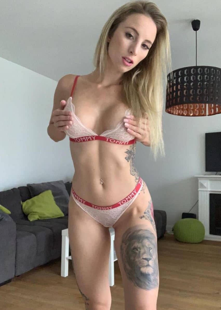 hamburg tattoo girl